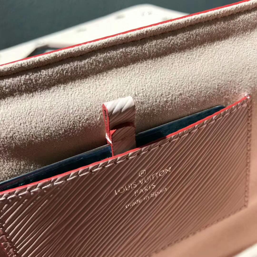 路易威登包包批发 Twist鸡眼钉粉色50271 都市魅力