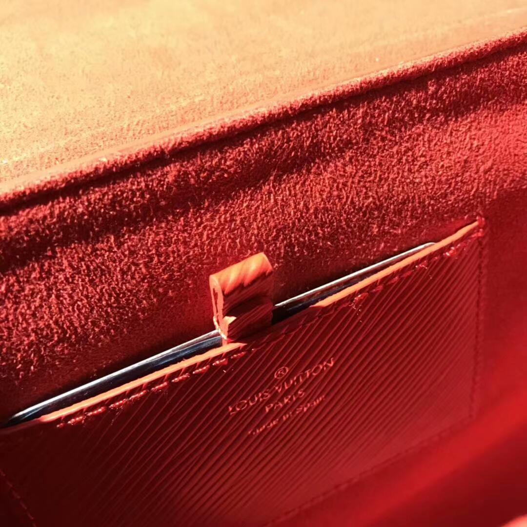 路易威登包包批发 Twist鸡眼钉红色50271 都市魅力