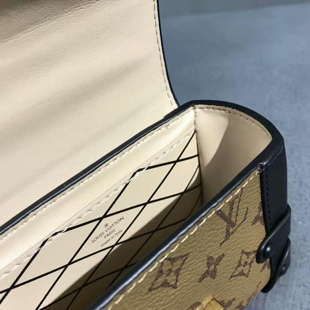 路易威登2018新款 LV便携小零钱包44188 超级好看可爱 时髦感十足