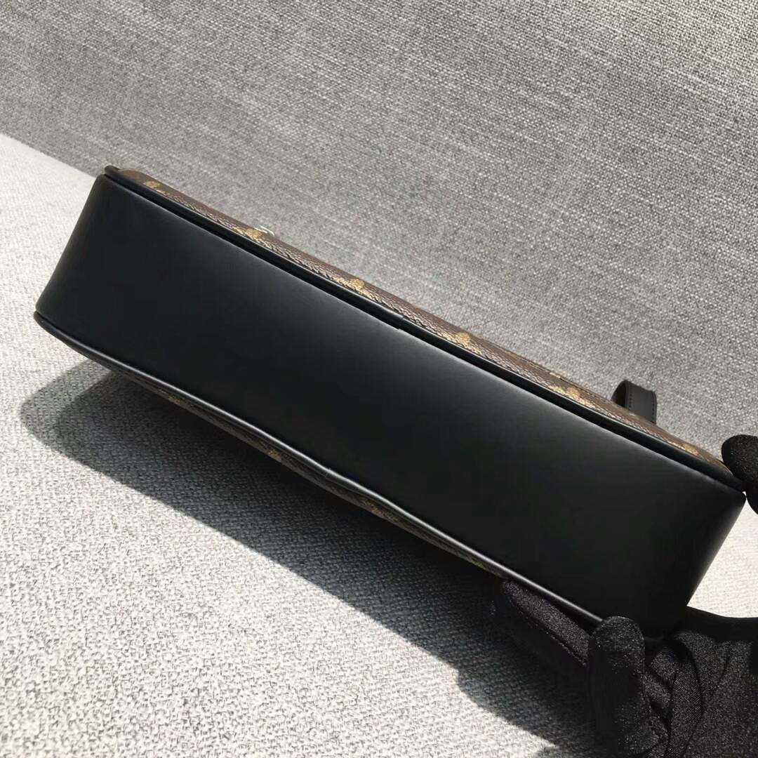 路易威登官网 LV男士Monogram手包42838 简单大方 适合搭配正装