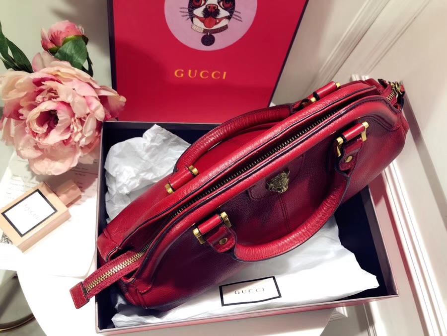 GUCCI最新主打RE(BELLE)系列手袋 516459 红色 选用质地柔软的天然粒纹皮革 品牌标志的经典双G造型 39×25×11cm