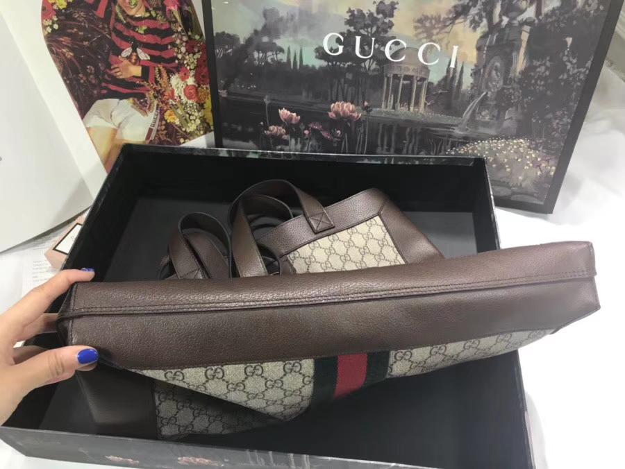 GUCCI2018最新购物袋 519335 卡其色 超级大包很能装包配小pouch 整体复古韵味柔美 凹造型尤物 41×43×5.5cm