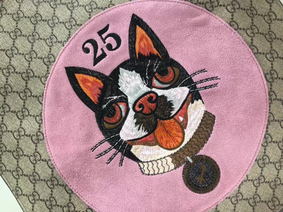 Gucci 特别推出以萌犬为主角的中国新年特别购物袋 450950 粉色 年限定骚粉骚粉寻找青春的气息领 22×29×14cm