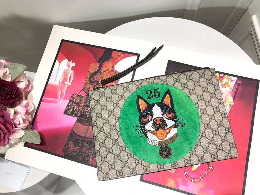 Gucci 特别推出以萌犬为主角的中国新年特别手包 506280 绿色 寻找青春的气息女性必备单品 30×20cm