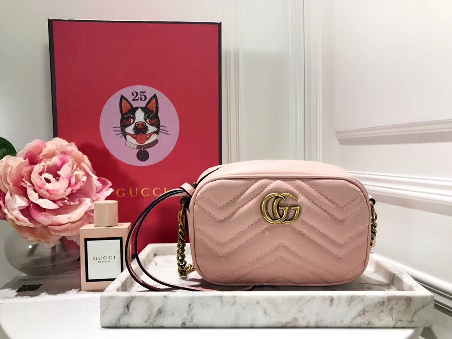 GUCCI最新 Marmont 绗缝链条包 448065 粉色 链带波浪纹肩背包 牛皮面料尽显时尚魅力 明星最新爱宠小包当道 18cm