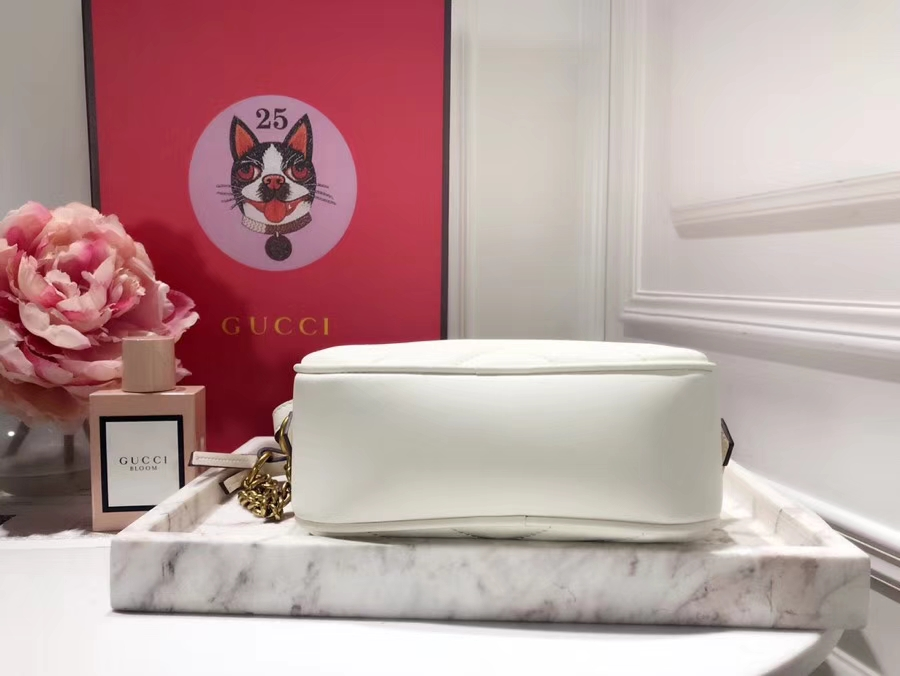 GUCCI最新 Marmont 绗缝链条包 448065 白色 链带波浪纹肩背包 牛皮面料尽显时尚魅力 明星最新爱宠小包当道 18cm