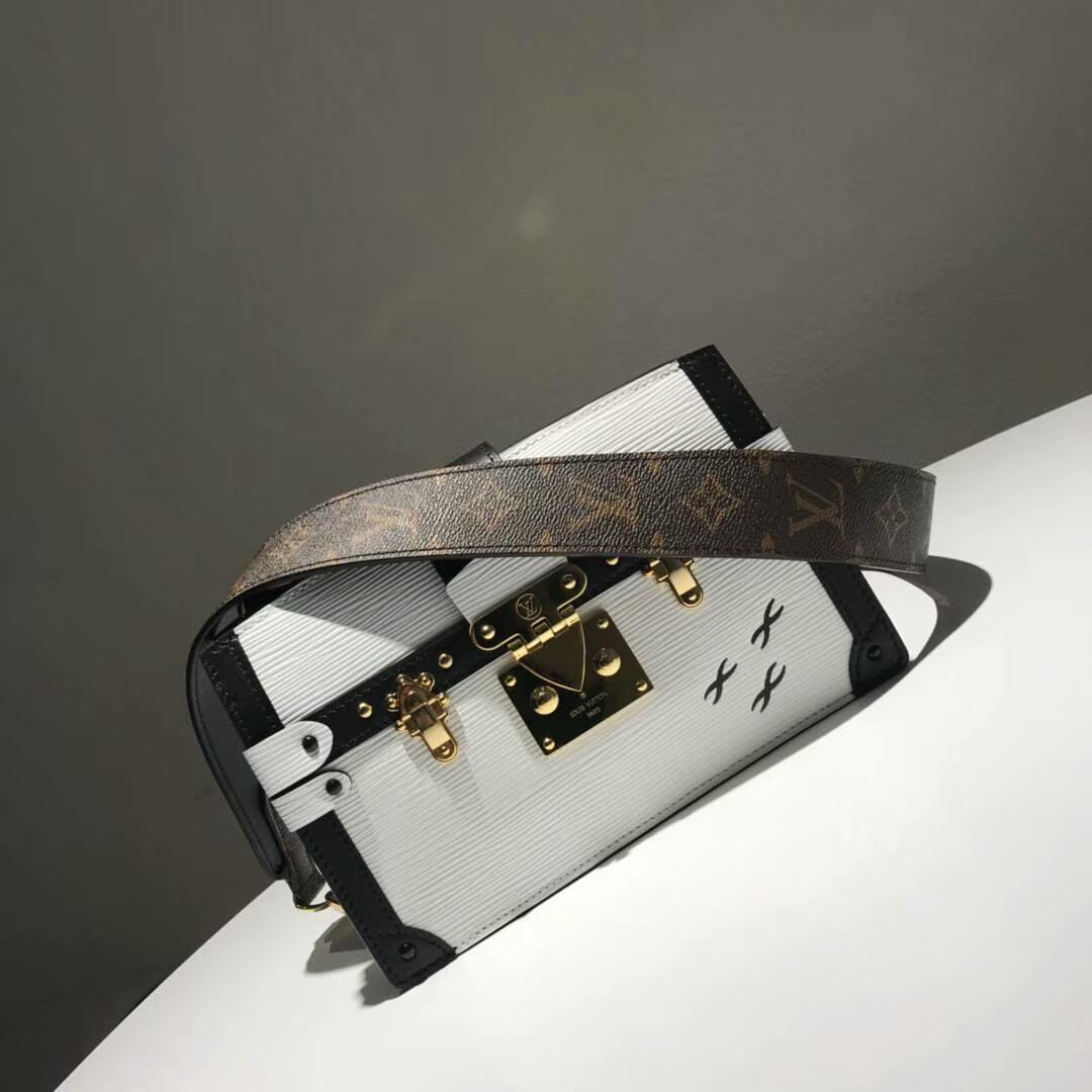 路易威登包包 LV复古设计软盒子 轻身容量大 白色