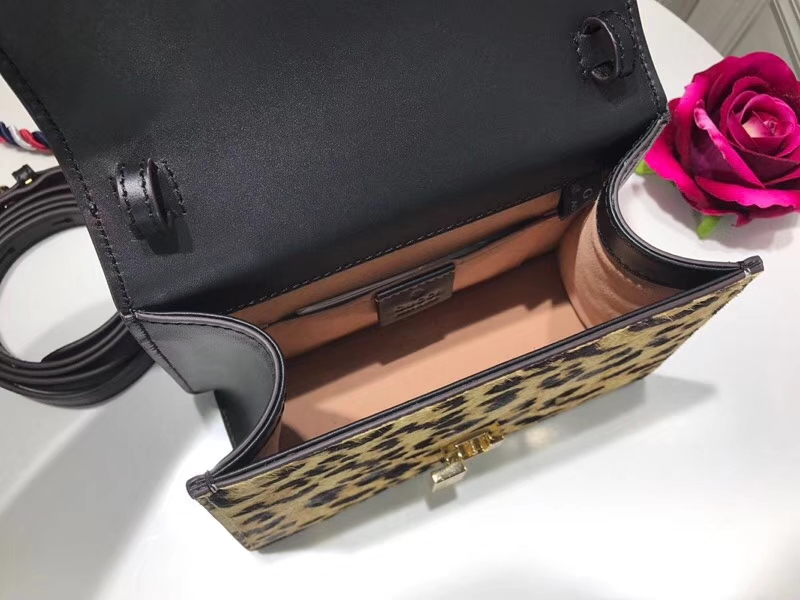 GUCCI 专柜同步豹纹马毛最新迷你款Sylvie 470270 太可爱了,新独特的手柄,多彩色肩带设计 20cm