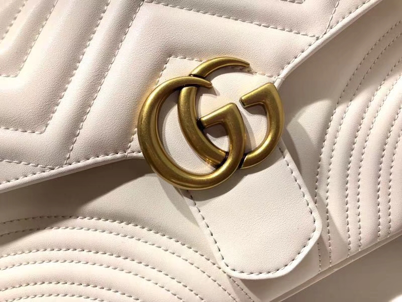 GUCCI 新系列双G Marmont 498100 白色 标志性的双G logo 25×19×8cm