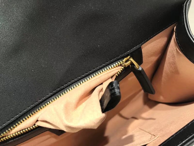 GUCCI 最新款手包 GG系列手包波浪纹链条包 498079 黑色 精选小牛皮 30×20×4cm