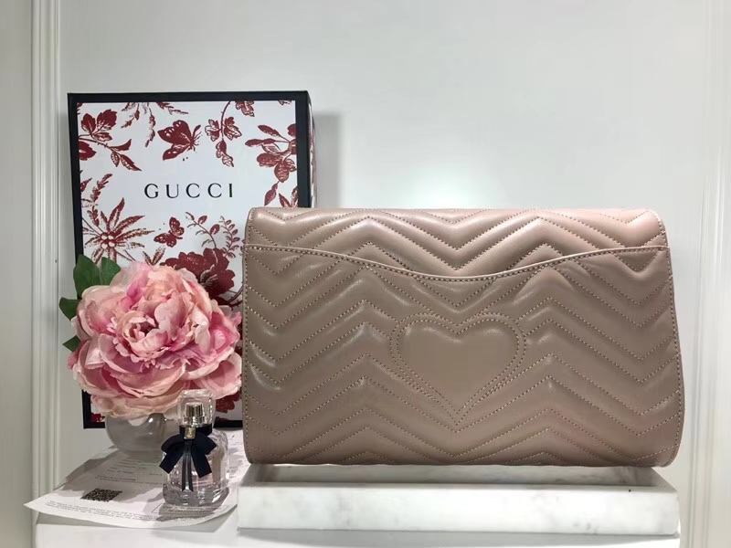 GUCCI 最新款手包 GG系列手包波浪纹链条包 498079 卡其色 精选小牛皮 30×20×4cm