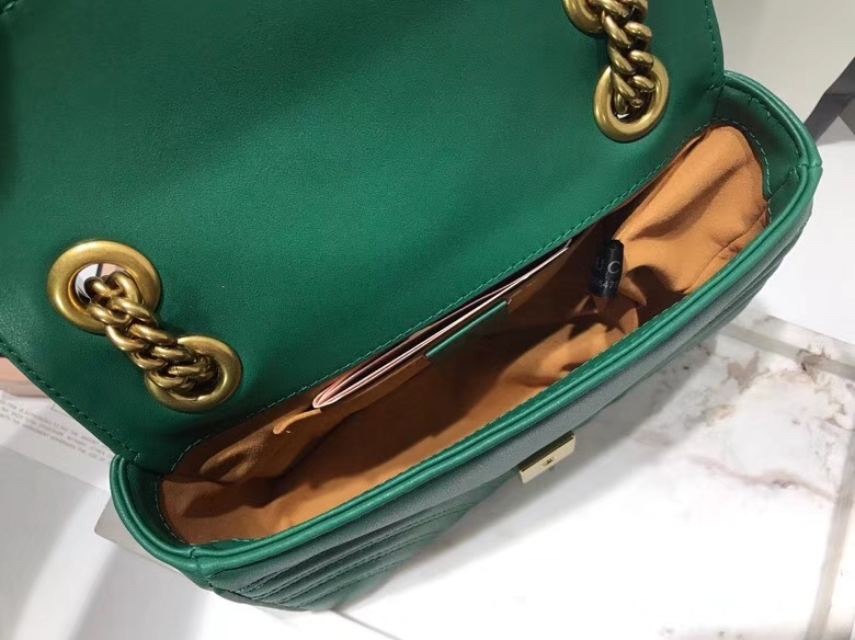 GUCCI最新Marmont 绗缝链条包 446744 墨绿色 链带波浪纹肩背包 牛皮面料 名模明星最新爱宠 22cm