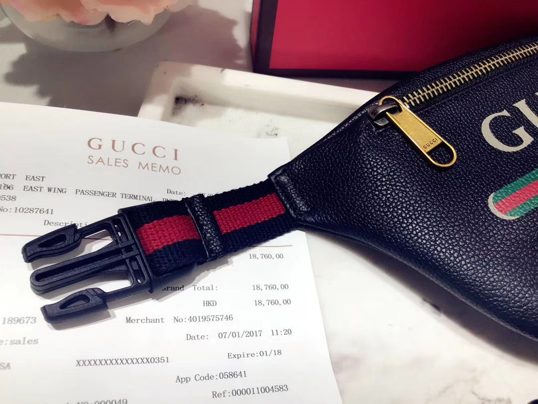 GUCCI爆款涂鸦腰包小号 527792 黑色 超级mini可爱 俏皮甜美 特别适合女孩子 22×13×6cm