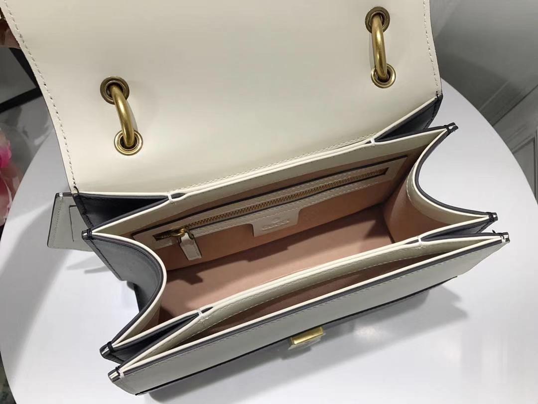 GUCCI古驰最新款玛格丽特皇后蜜蜂系列476542 黑白配 抢眼的五金装饰搭配 22.5×18.5×6.5cm