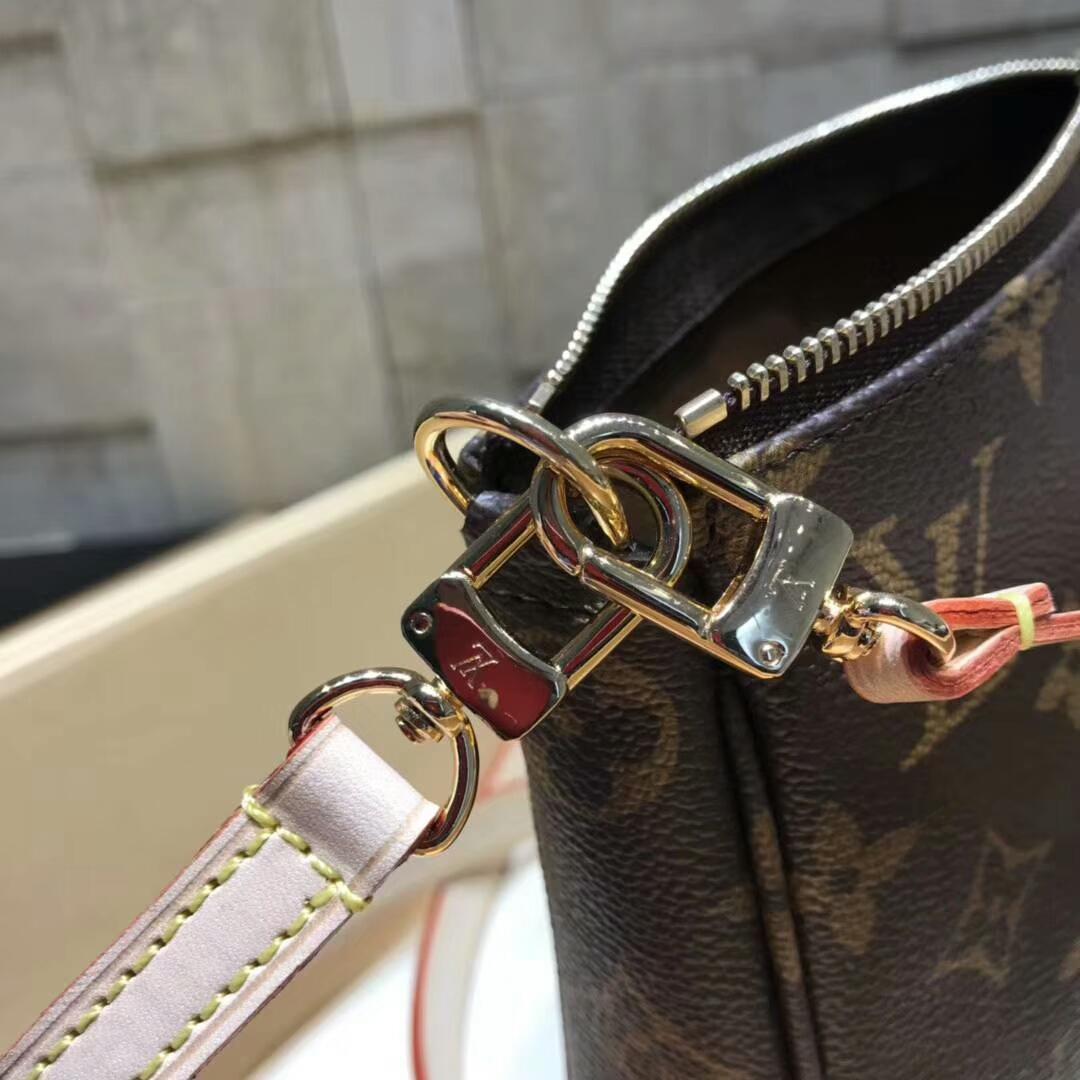 LV经典包包 时尚经典小包51980 当下最流行 可斜跨可手拎 超级百搭