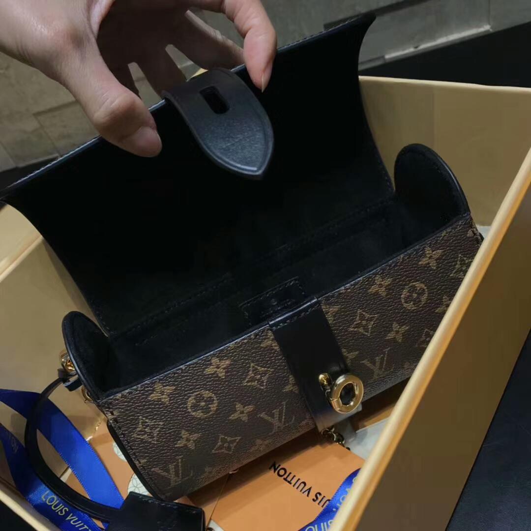 路易威登包包 LV手表包43524 新颖独特 个性百搭