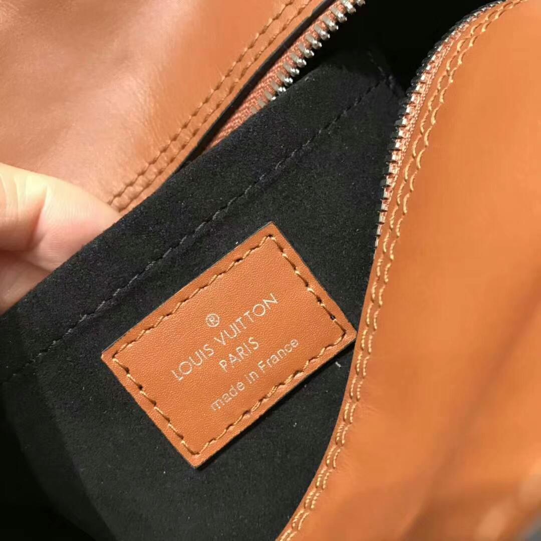 路易威登包包 简约的冷淡风62791 皮块由不同模型拼成 造型独特