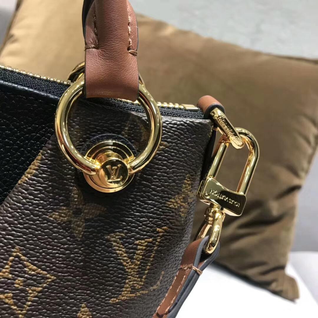 路易威登官网 秋冬新出炉的LV TOTE手袋小号43724 经典帆布和小牛皮拼接 中间V字型设计 皮质软而轻