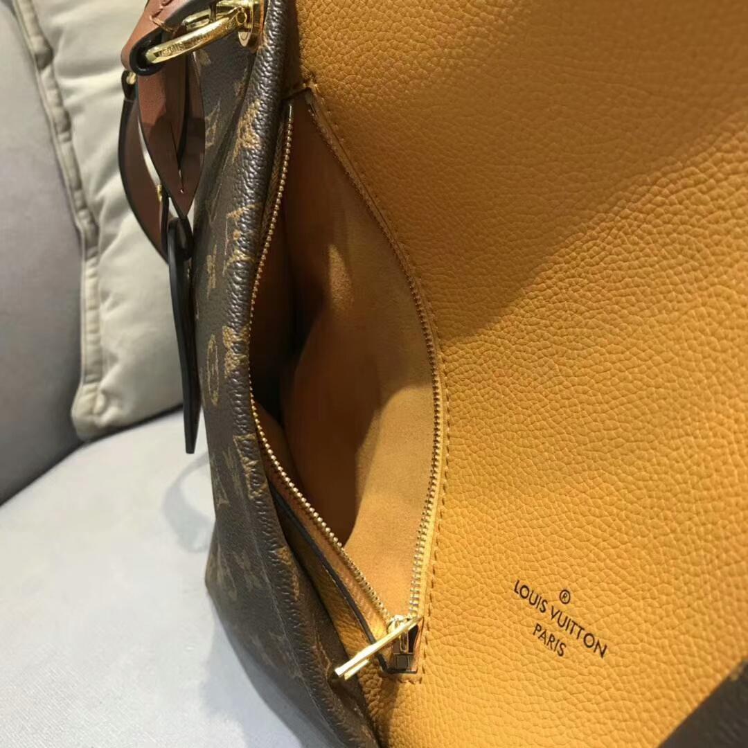 路易威登包包 秋冬新出炉的LV TOTE手袋大号43722 经典帆布和小牛皮拼接 中间V字型设计 皮质软而轻