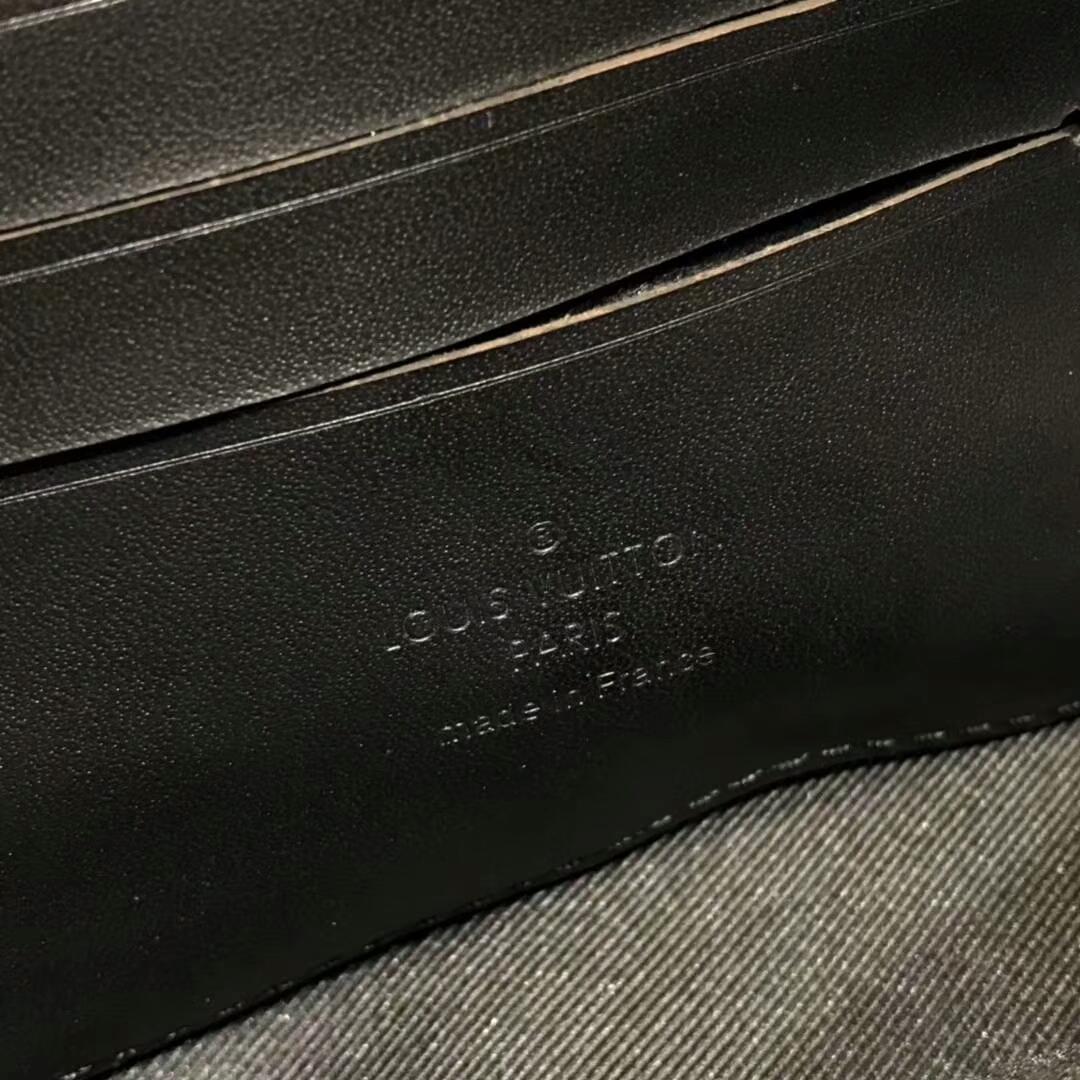 路易威登官网 设计师Virgil Abloh首发单品手包44433 火热时装秀