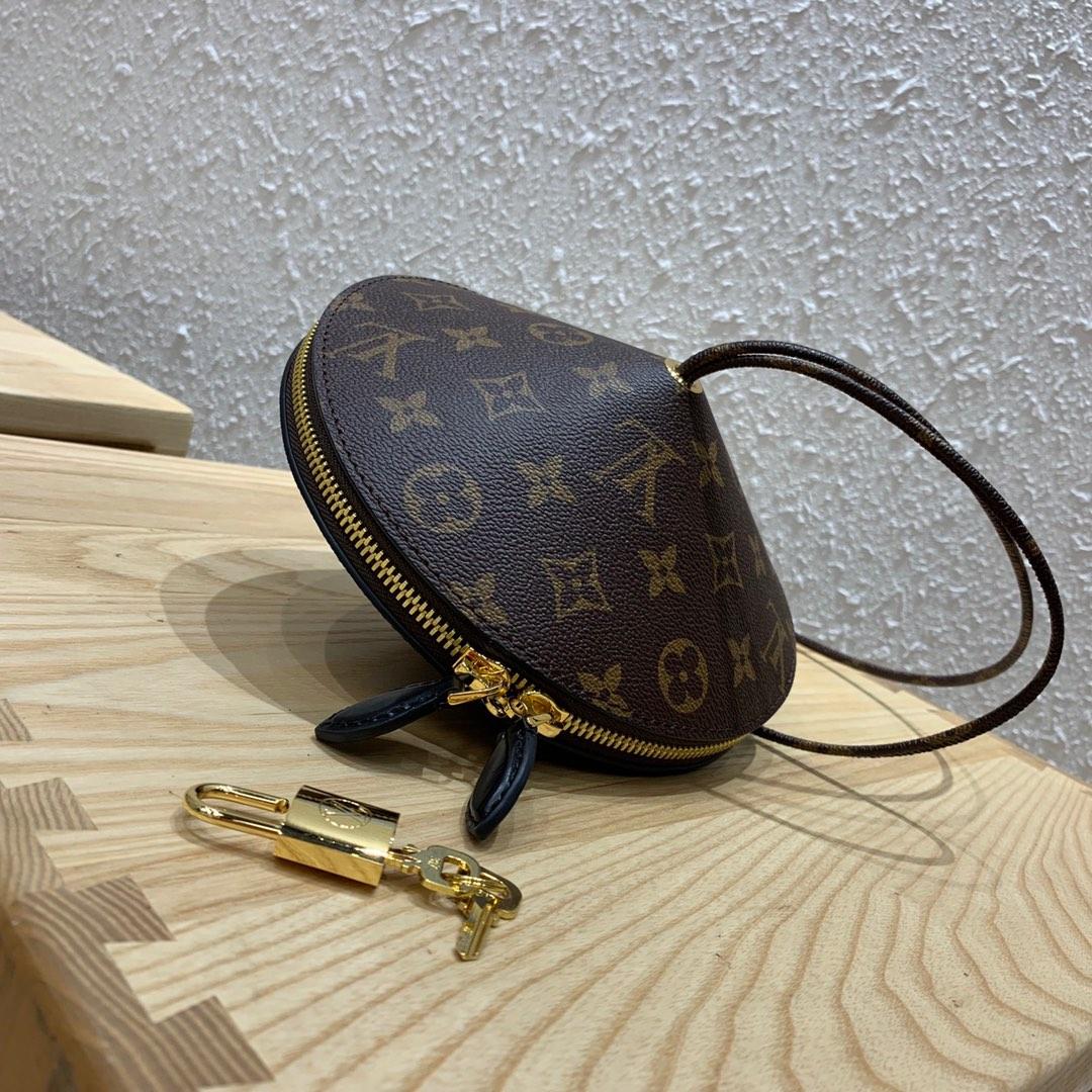 路易威登新款 走秀限量款陀螺包44592 简单又特别Q的手拿包 内部设计结构很安全