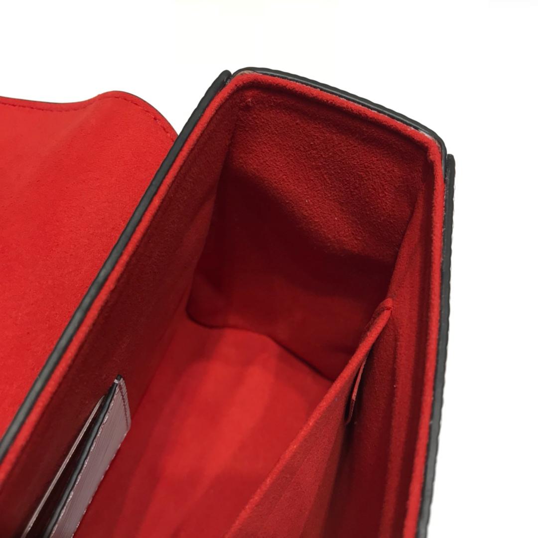 LV包包批发 Twist包LV招牌之一大号50276 造型清贵低调 短链条带 长肩带可调长短