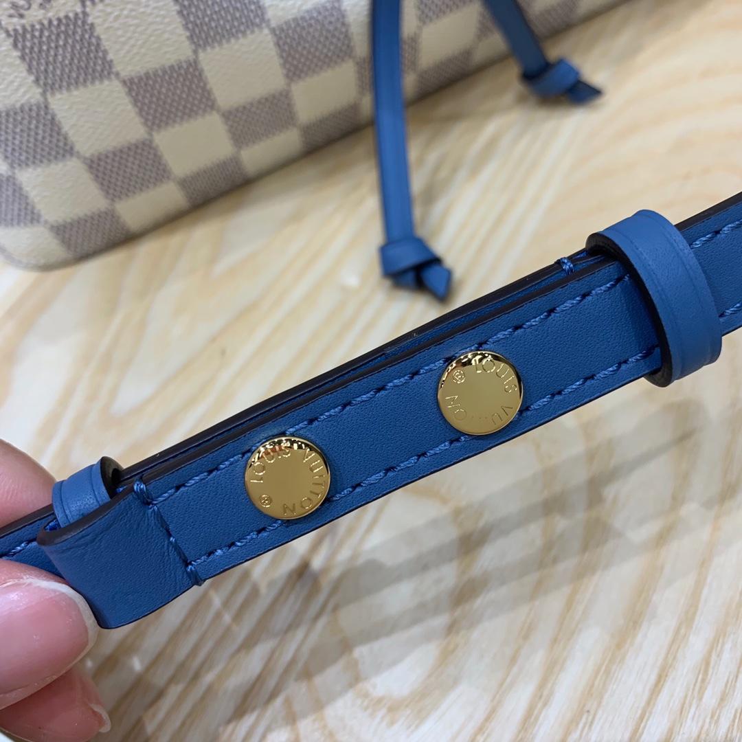 广州包包批发市场 LV桶包白格44020 结实耐用 肩带可调