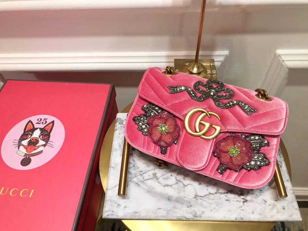 GUCCI(古驰)Marmont 花朵刺绣条包 446744 粉色 天鹅丝绒 时尚博主名模明星最新爱宠小包 22cm