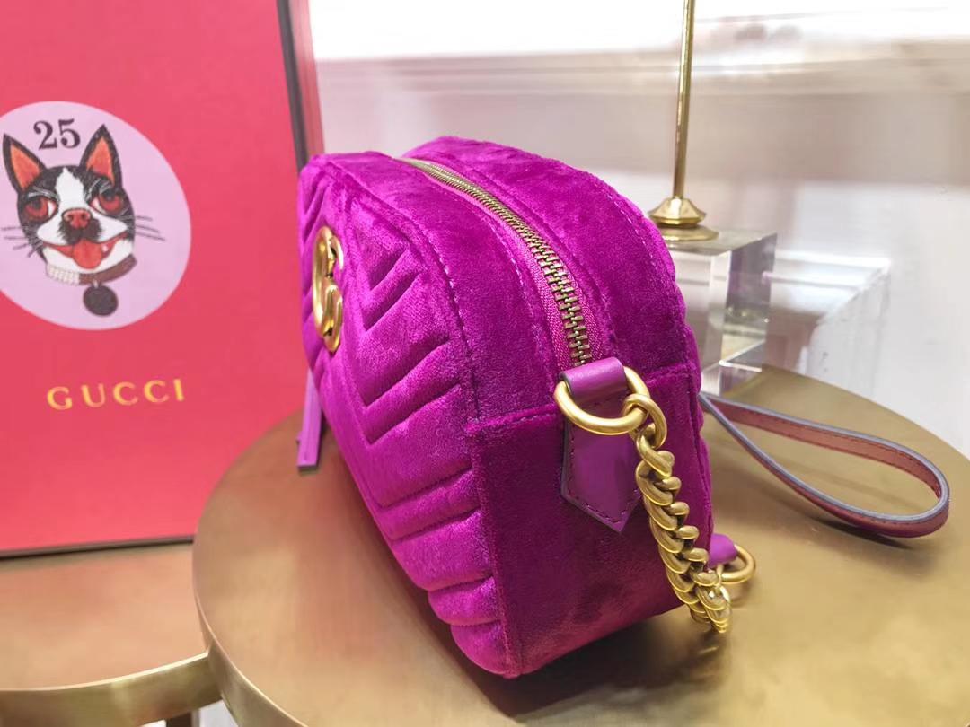 GUCCI(古驰)最新Marmont 绗缝波浪纹链条包 447632 紫红色 天鹅丝绒 时尚博主名模明星新爱宠小包 24cm
