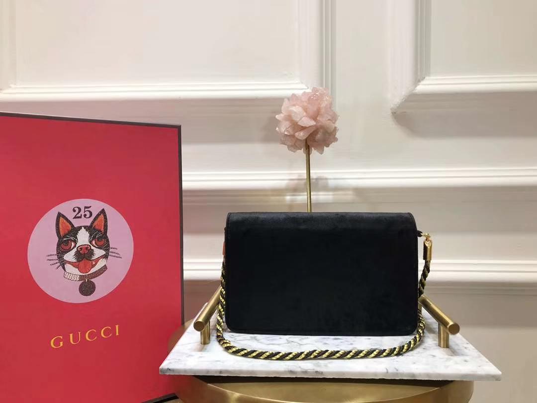 GUCCI(古驰)新款超mini丝绒链条包手包 544242 黑色 丝绒搭配经典G造型加入闪亮水晶 奢华 闪耀 20×12×5.5cm