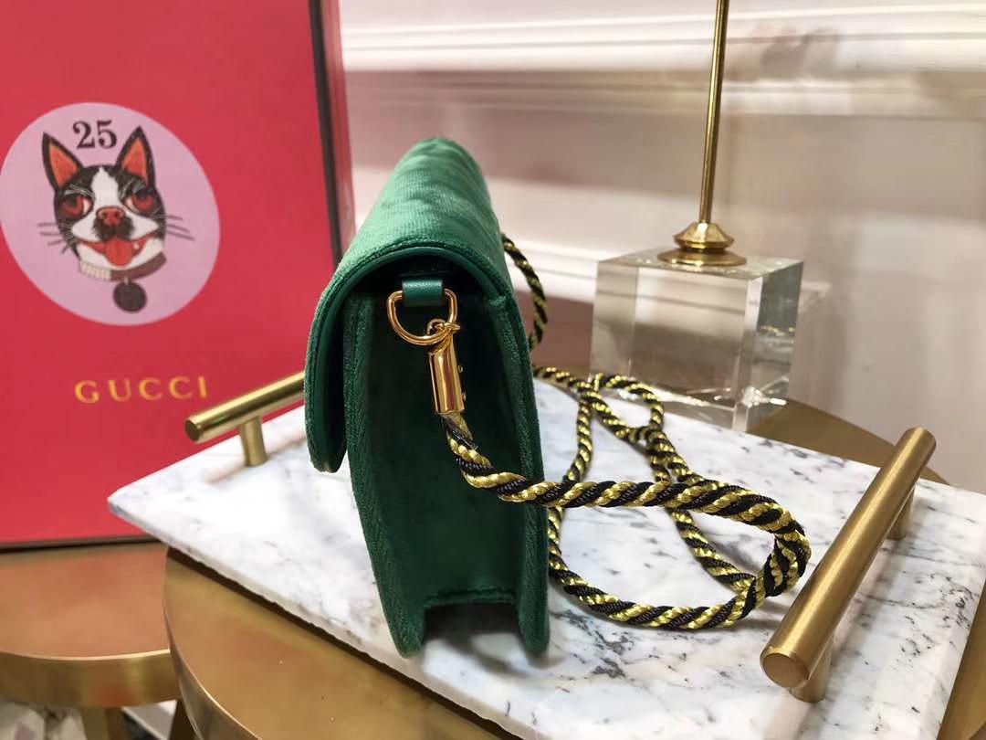 GUCCI(古驰)新款超mini丝绒链条包手包 544242 墨绿色 丝绒搭配经典G造型加入闪亮水晶 奢华 闪耀