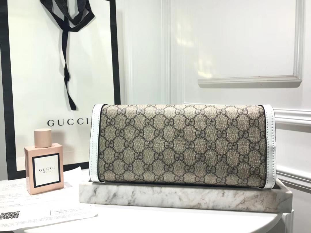 GUCCI(古驰)最新款百搭padlock最火包 498156 复古白色 犹如文艺少女的时光宝盒 26×18×10cm