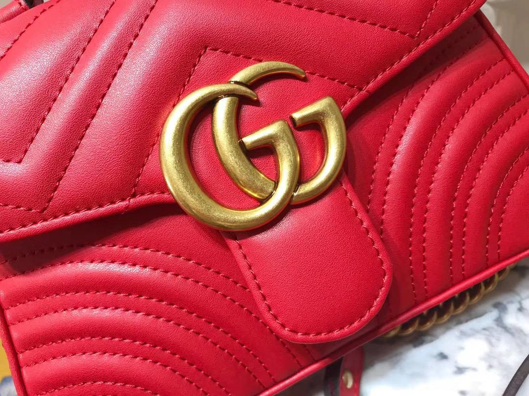 GUCCI(古驰)强势来袭mini号新款 547260 红色 顶级牛皮 极具特色宽大柔软的sylvie 大盖头内插袋 21×15.5×8cm