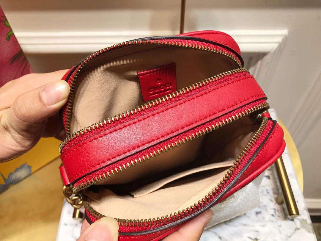 GUCCI(古驰)Marmont 全新斜挎相机包 550155 红色 双隔层拉链设计 标志性的双G logo 复古而华丽 16×18×7cm