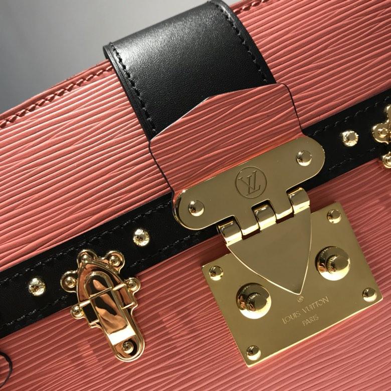 路易威登官网 LV复古设计软盒子53052 脱掉木质重量轻了很多