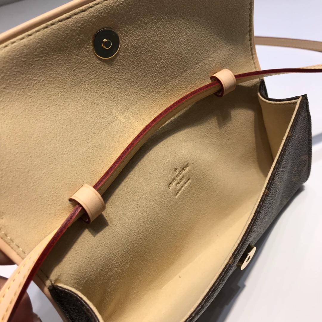 路易威登官网 LV复古小腰包中号40714 提升品位的斜挎包