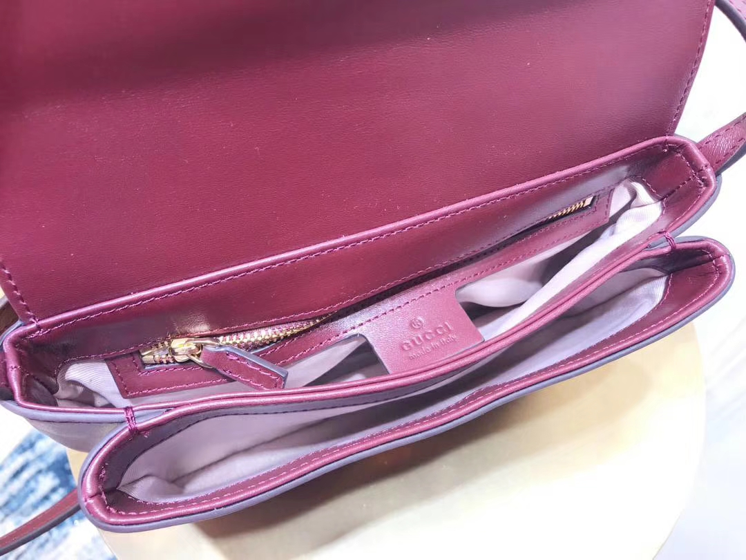 GUCCI(古驰)小号肩背包 550129 酒红色 夸张翻盖设计 双G造型配件 复古 25×16×5.5cm