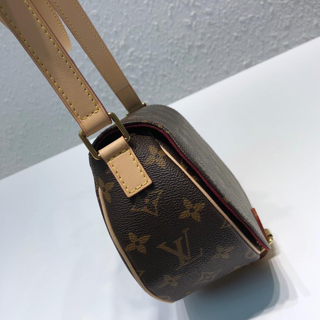 LV包包批发 中古小猪包45449 穿搭利器 形状很可爱 包身立体所以容量很充足