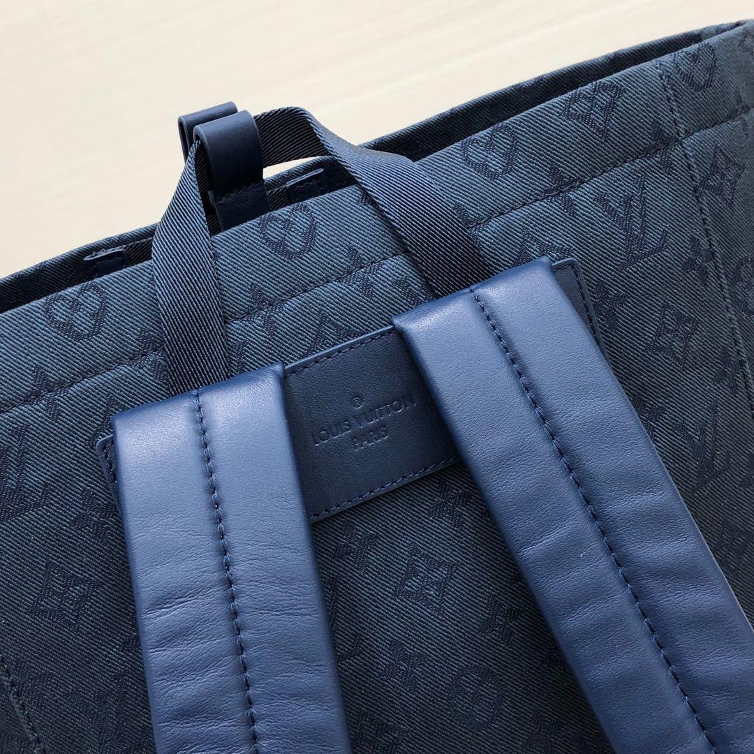 LV包包批发 早秋系列背包44616 时尚度实用性超高