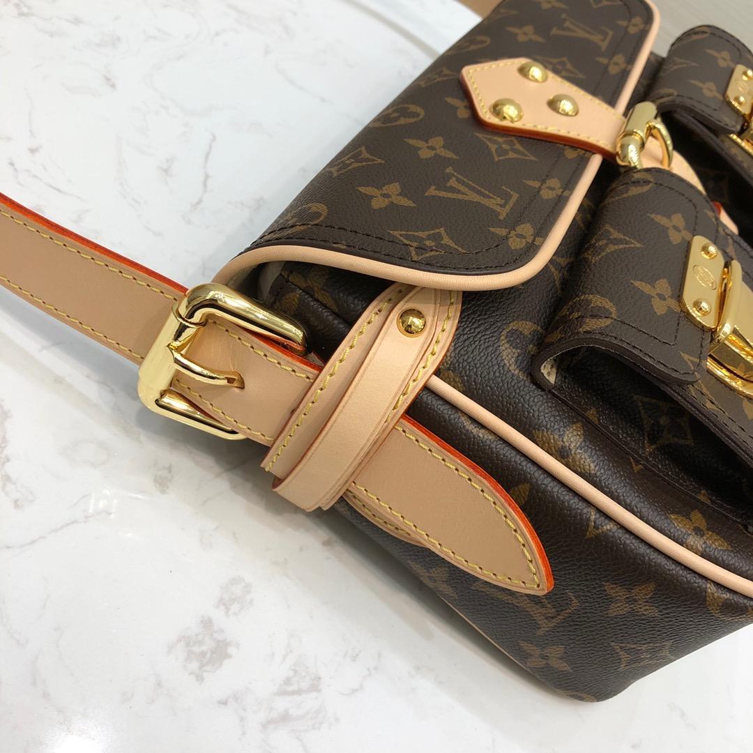 路易威登官网 中古款挎包45375 开口方式是皮带固定翻盖设计 防盗性能极好