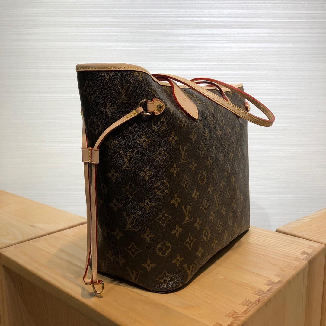 路易威登官网 LV村上隆合作限量款购物袋50710 调皮可爱且独特的风格设计