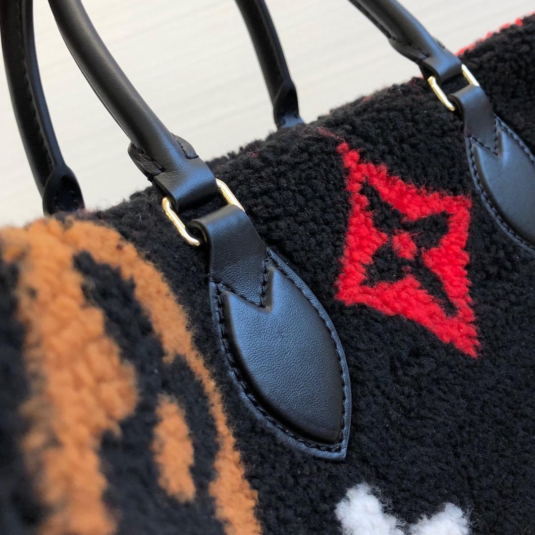 路易威登官网 秋冬毛毛包购物袋44412 疯狂大logo羊羔毛系列