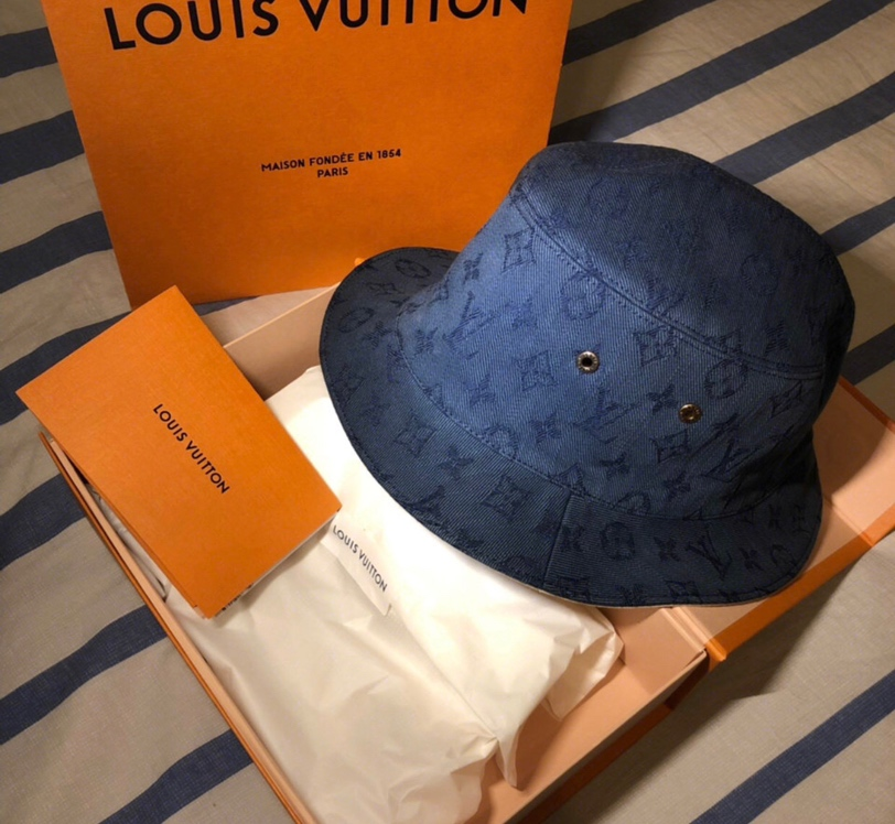 路易威登 夏天的宝藏LV渔夫帽2440 双面戴很百搭 简单的lv字母