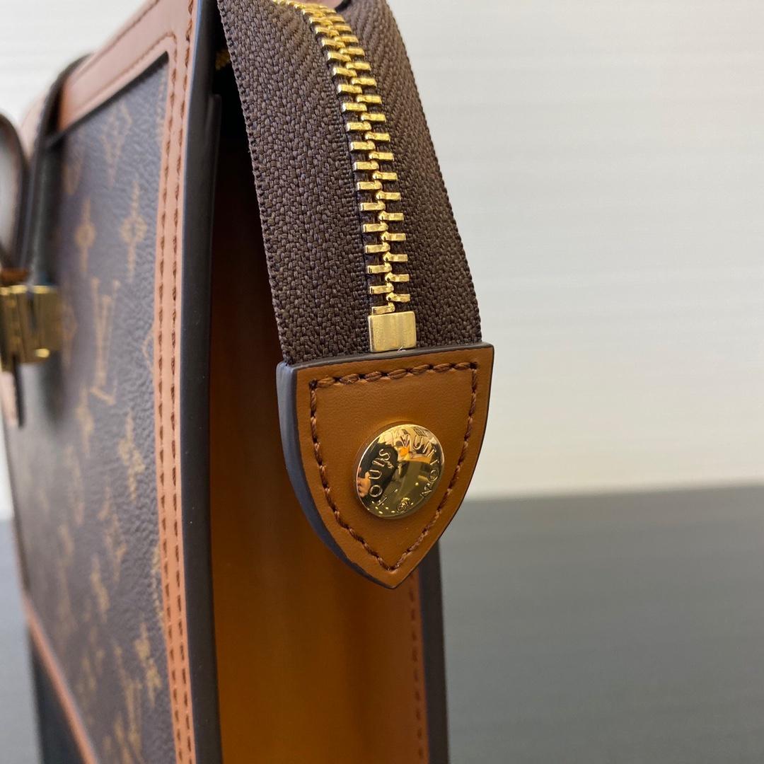 LV包包厂家 达芙妮手包44178 款式大方 容量不小 手包控必带