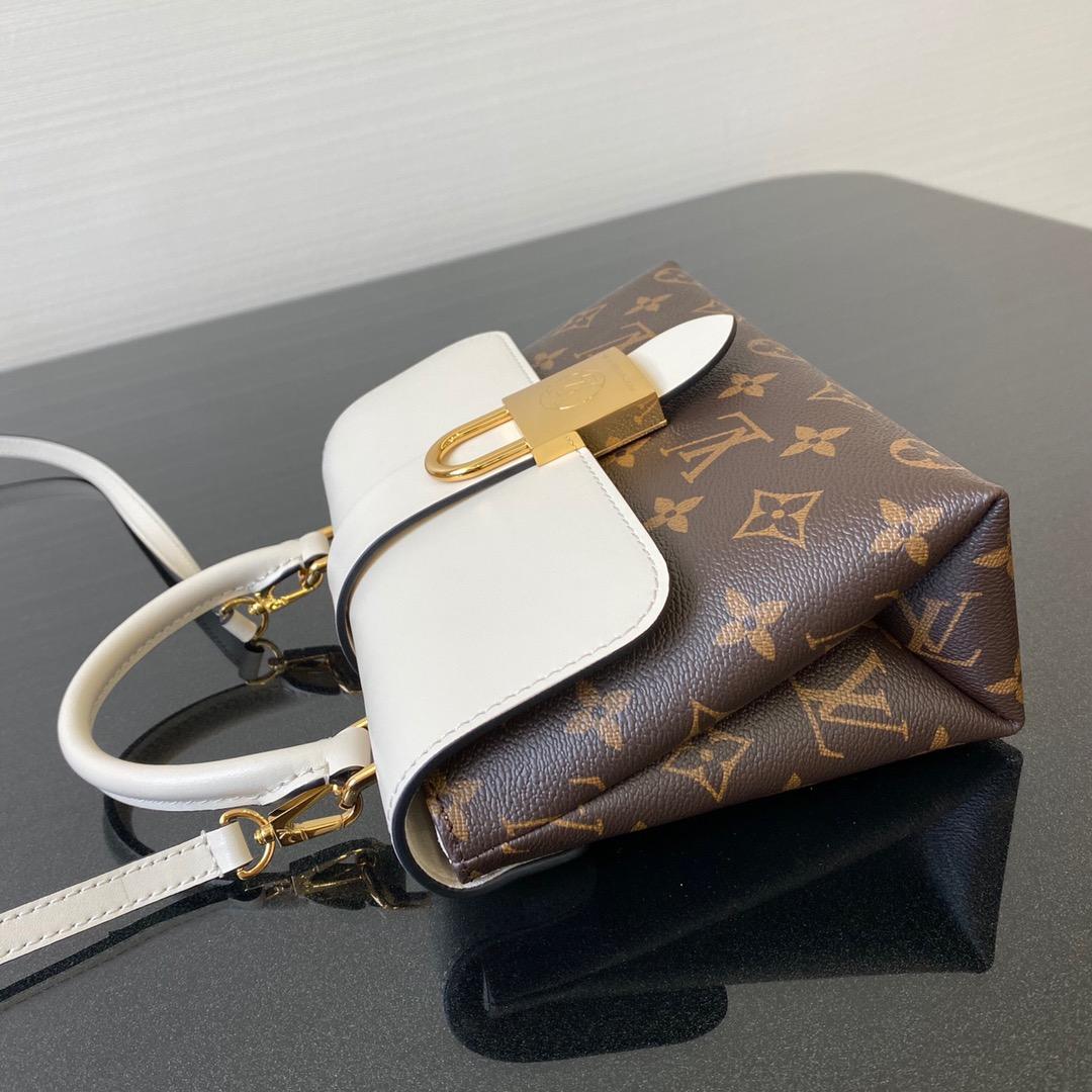 LV包包批发 最新Locky小邮差包44321 很有质感的五金锁 超抢眼