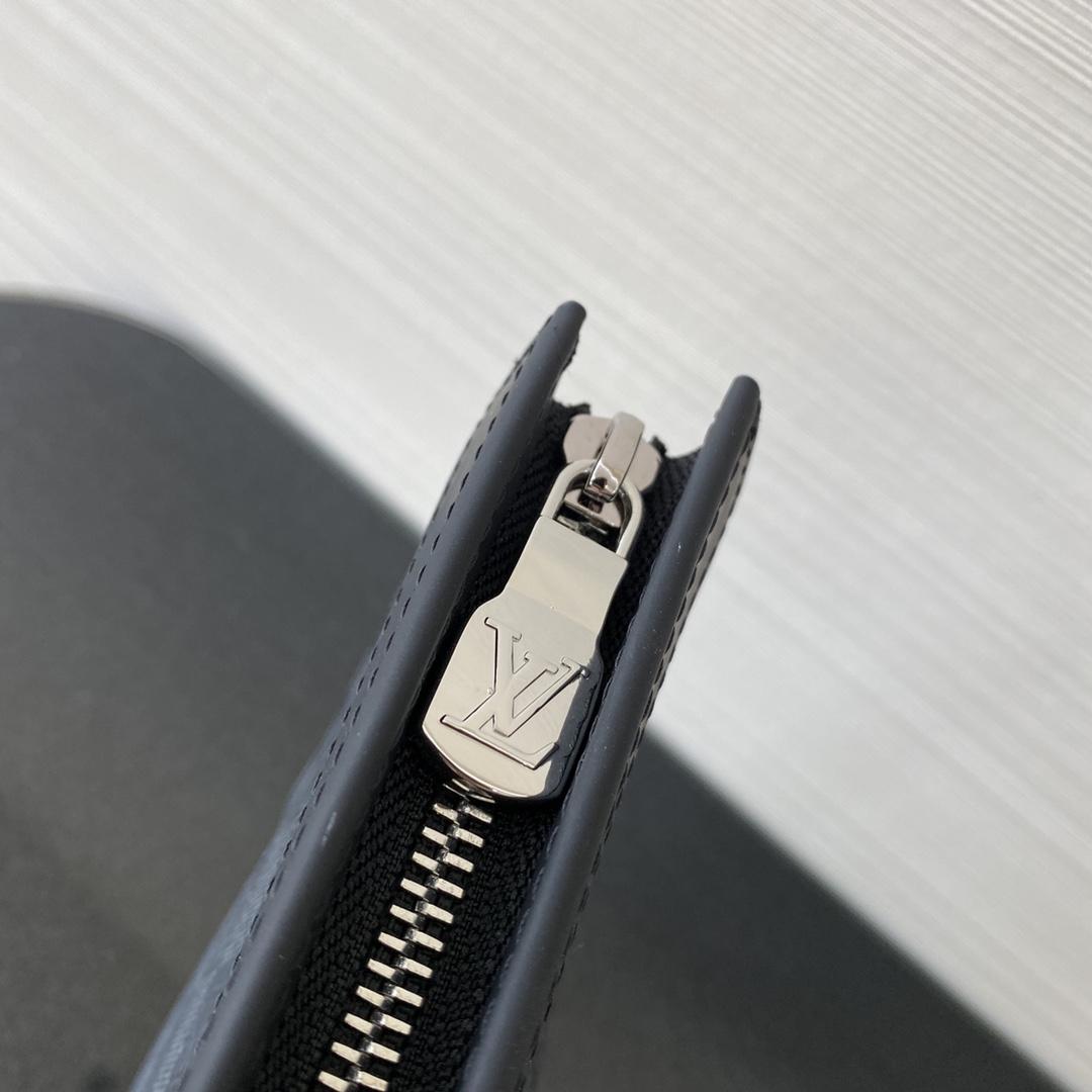 广州高仿包包货源 LV藤原浩系列手包 搭配特殊色泽