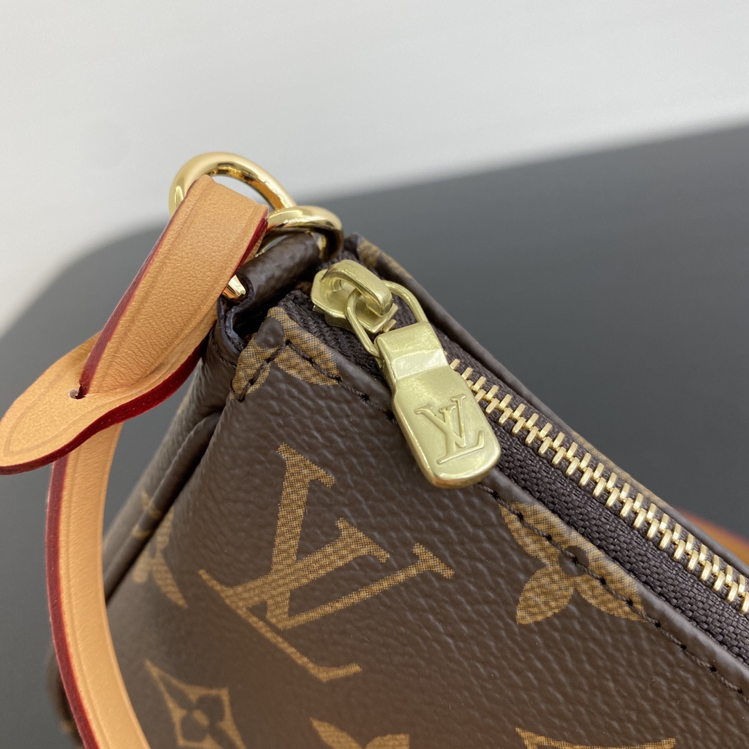 广州白云皮具城 LV村上隆合作限量款挎包50718 调皮可爱且独特的风格设计